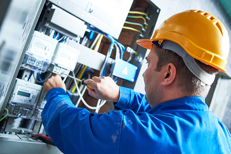 Become An Electrician in Colchester Essex