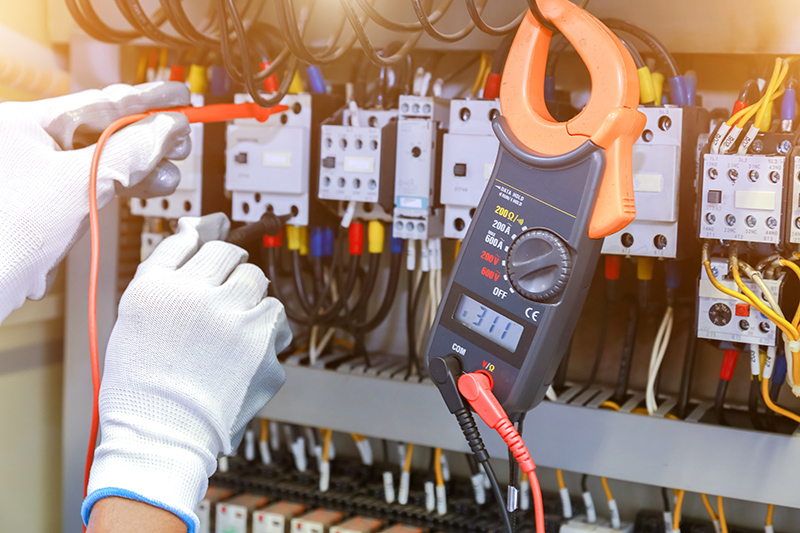 How To Become An Electrician in Colchester Essex